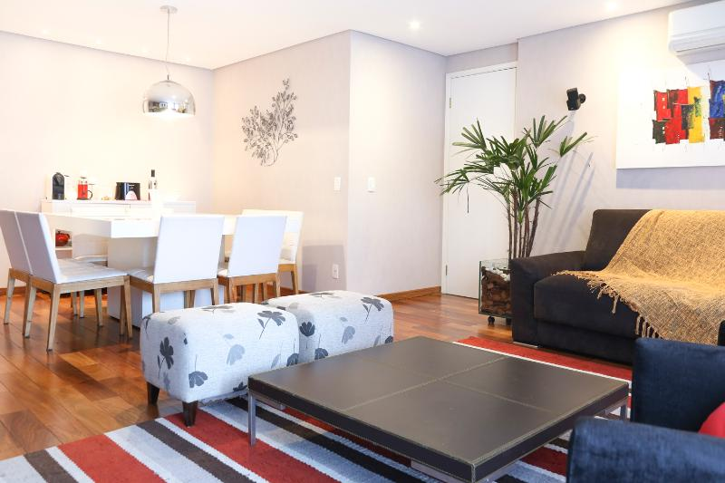 Colorful & Spacious 3 Bedroom Apartment in Brooklin - Image 1 - Sao Paulo - rentals
