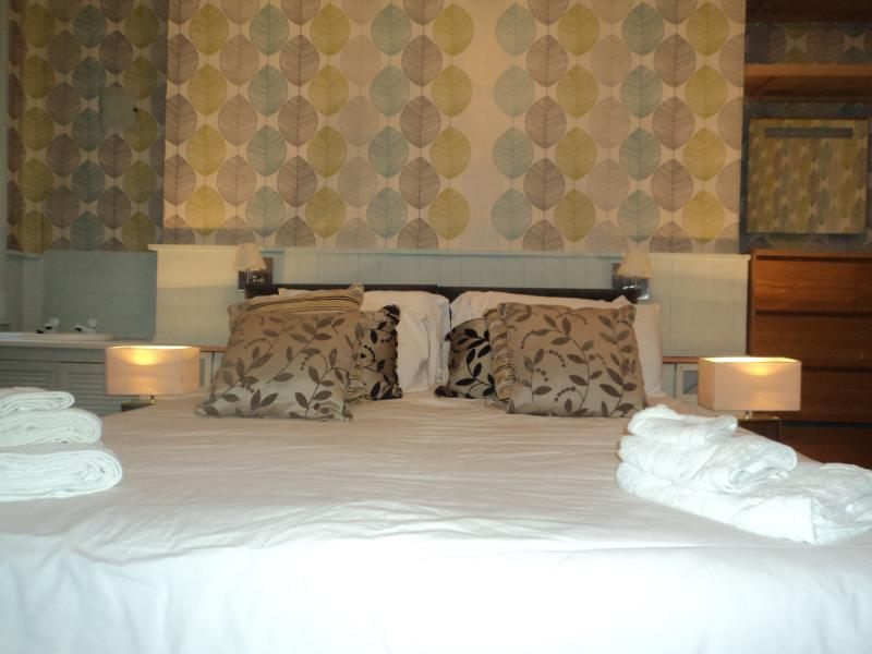 Bedroom - Brunswick Brighton Seafront Patio Flat - Brighton and Hove - rentals
