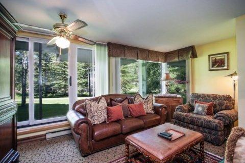 Enjoy the convenience location of Simba Run with easy access to walking path and free shuttle in the winter. - Great Vail Location~On bus route to Vail Village~Hot Tub and Indoor Pool! - Vail - rentals