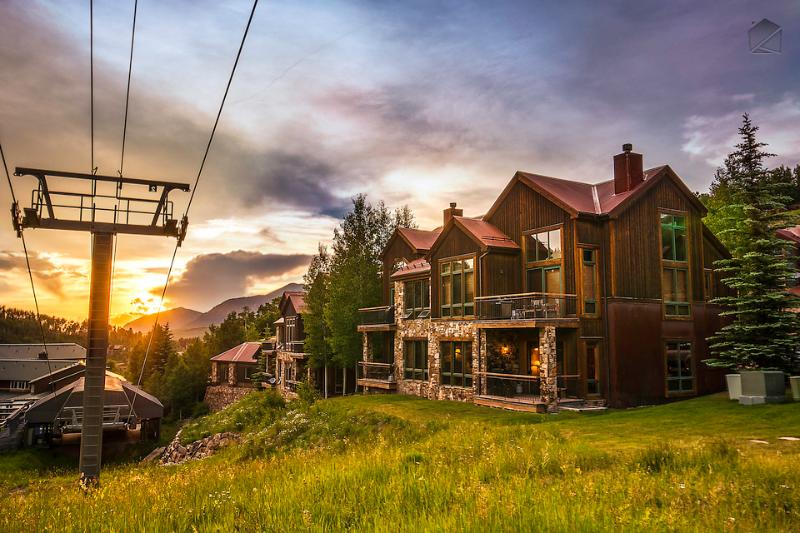 You're right next to the lifts when you stay at Meadow Grove at the Terraces - Meadows, mountains, and more - Ski in/out - Meadow Grove at the Terraces - Mountain Village - rentals