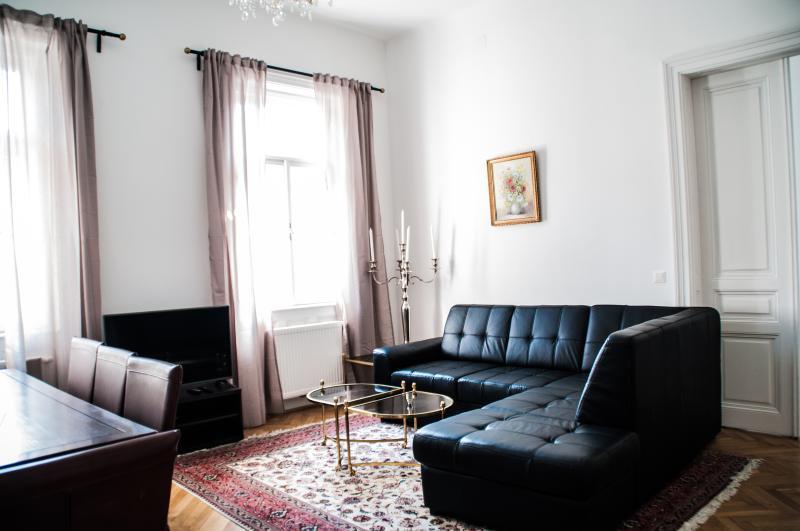 онлайн купить квартиру в вене австрия недорого отличается Таро
