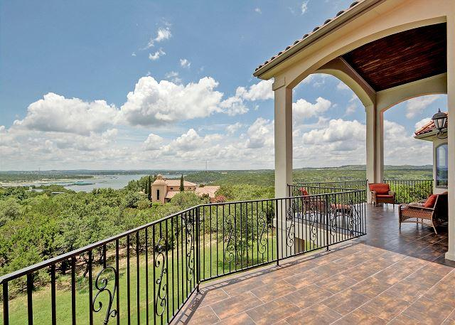 Upstairs Balcony - 4BR/3.5BA Luxury Home with Lake Views! Book Now for Fall Savings! - Jonestown - rentals