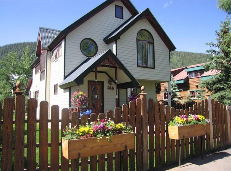 Heart of Crested Butte on Sopris.  Luxury home! Private Hot tub. 1 block to Elk Ave. - Image 1 - Crested Butte - rentals