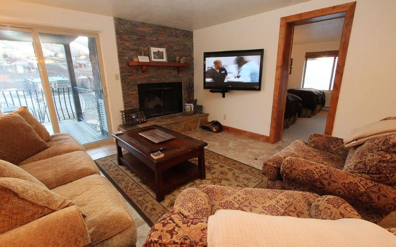 Renovated 3BR Chateaux,, Beautiful! Pool, Hot Tub. 6th nt free - Image 1 - Crested Butte - rentals