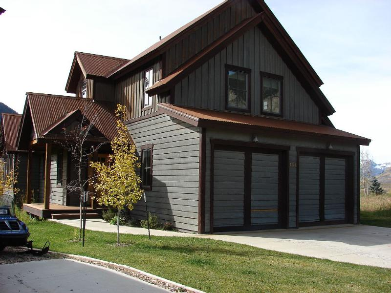 Lovely Riverfront Home In Skyland! Hot tub.  6th nt free - Image 1 - Crested Butte - rentals
