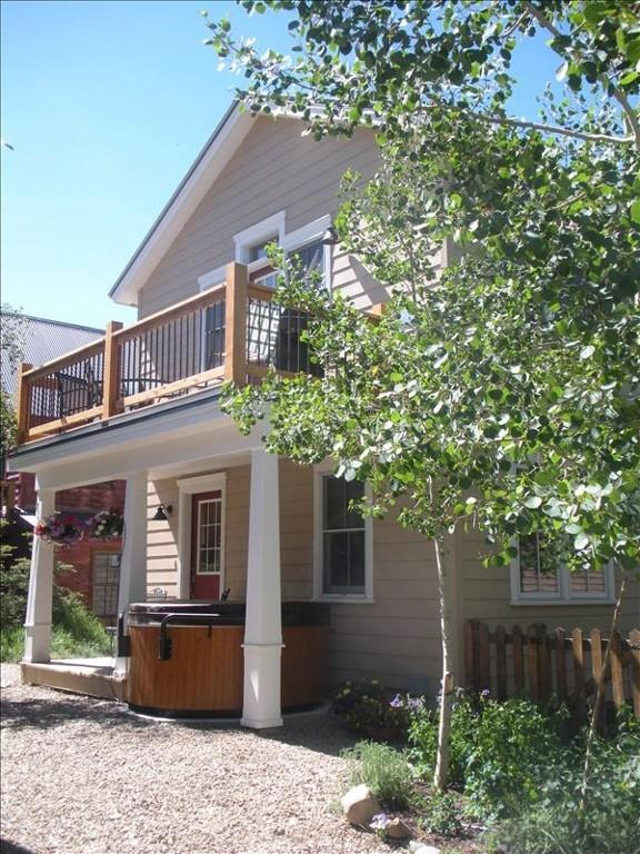 The Grand Escape - Great Duplex on Elk. Private hot tub!  2 1/2 blocks to shuttle. - Image 1 - Crested Butte - rentals
