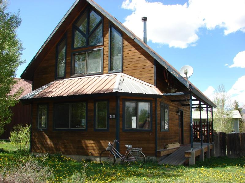 LOCATION!! Elk Ave. Pet friendly! 5th night free - Image 1 - Crested Butte - rentals