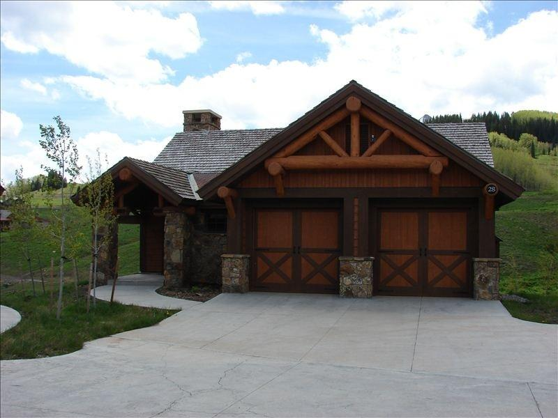 Luxury home in Prospect.  Beautiful views and fantastic location! Pool/Hot tub - Image 1 - Crested Butte - rentals