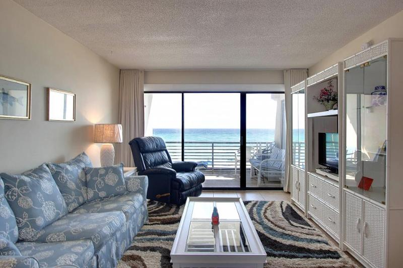 Charming dog-friendly Gulf-front condo w/pool, beach access - Image 1 - Panama City Beach - rentals