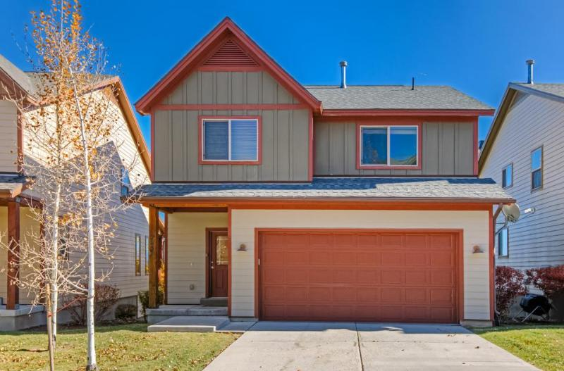 Homey Utah townhouse w/ private hot tub, gym, & shared pool access! - Image 1 - Park City - rentals