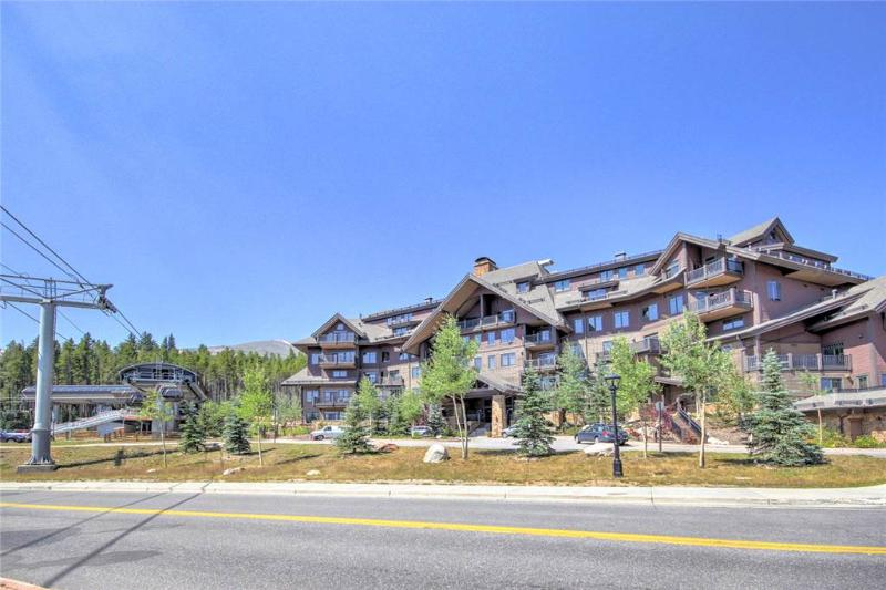 Wonderful Ski In/Out 4 Bedroom Condo - Crystal Peak Lodge 7501 - Image 1 - Breckenridge - rentals