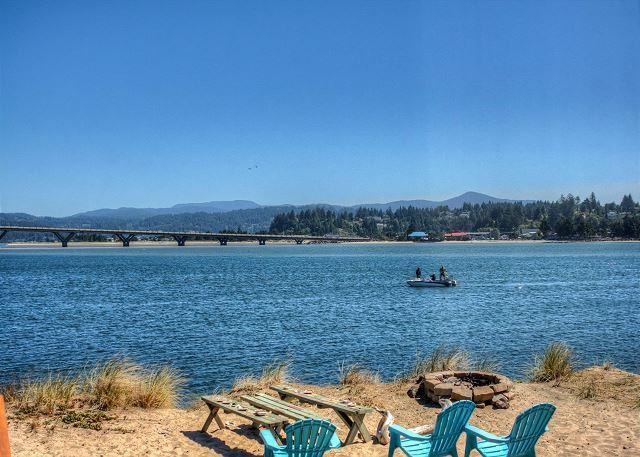 Jack's Place--R503 Waldport Oregon Bayfront vacation rental - Image 1 - Waldport - rentals