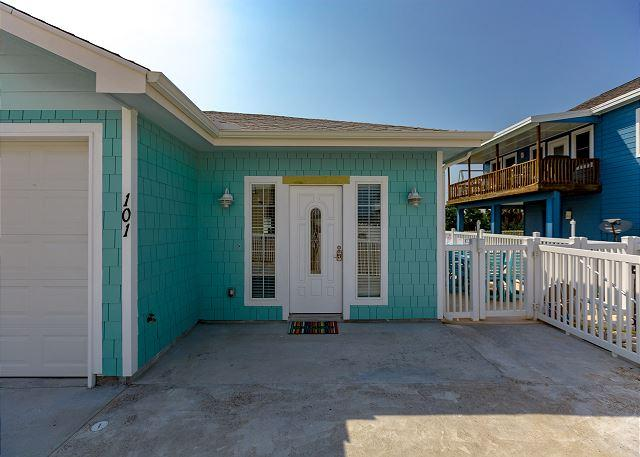 Welcome to Island Time 101! - Island Time 101, Pool, Close to Beach, WiFi, - Port Aransas - rentals