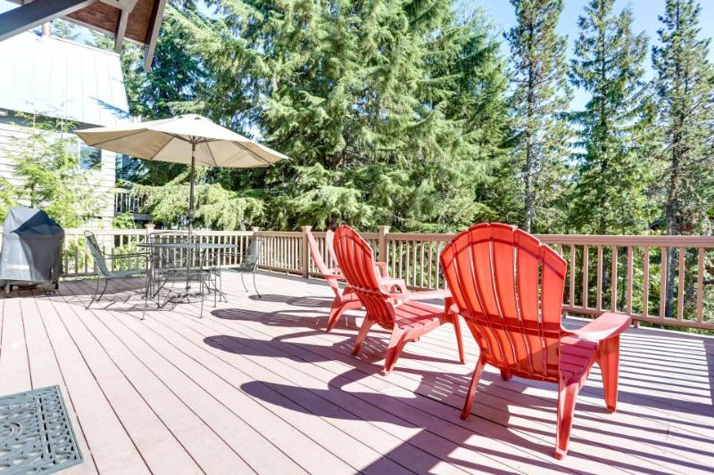 Dog-friendly home w/ room for 10-12 & near Government Camp! - Image 1 - Government Camp - rentals