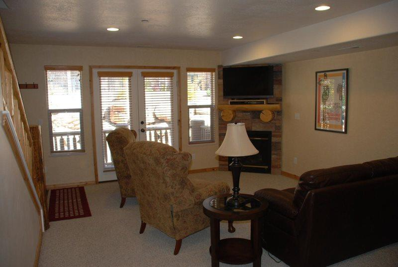 Deluxe three bedroom condo - Image 1 - Eden - rentals