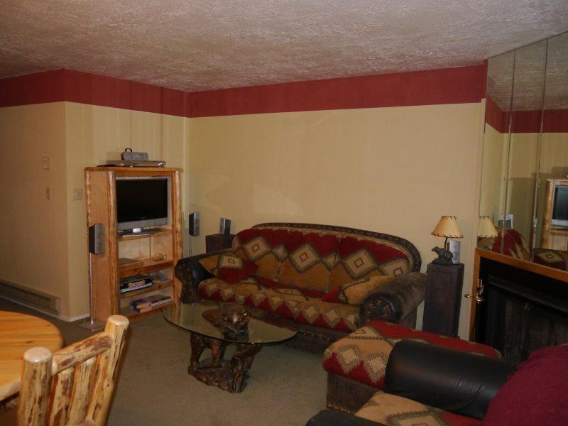 Living Room - 1 BR Vacation Condo at near Powder Mountain, Snowbasin & Wolf Mountain - Eden - rentals