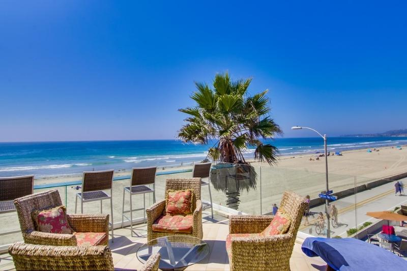 Spectacular *Ocean Front* PENTHOUSE - Image 1 - Pacific Beach - rentals