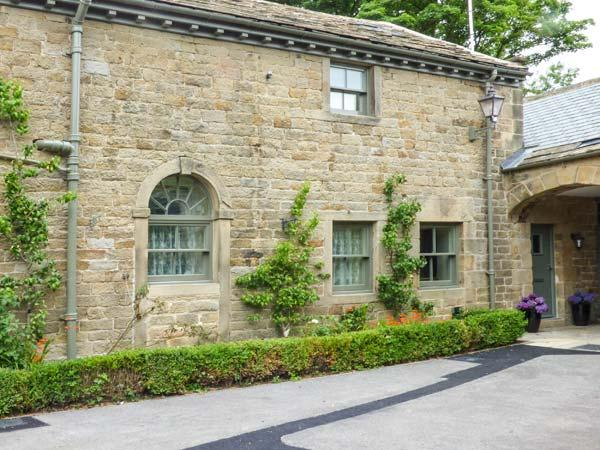 THE TACK ROOM COTTAGE, country location with charming views, character features, en-suite, in Ashover, Ref. 927577 - Image 1 - Ashover - rentals
