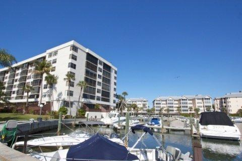 Harbor Towers Yacht & Racquet Club, Unit 203 (2 Week Minimum Stay) Siesta Key Boaters Getaway - Image 1 - Sarasota - rentals