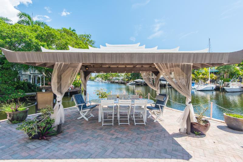 Victoria Park Estates: Dock with Deep Water. - Image 1 - Fort Lauderdale - rentals