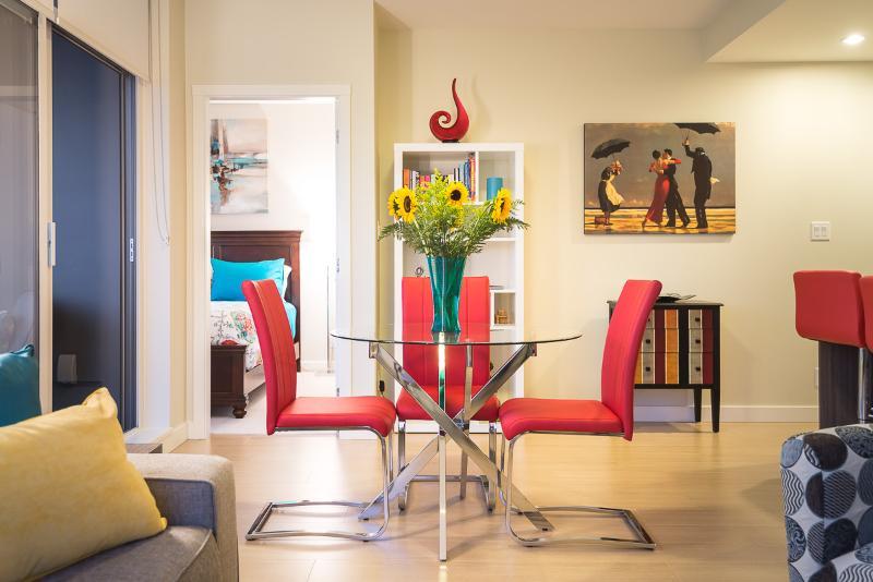Colourful Comfy Condo - 2 Bed 2 Bath Downtown - Image 1 - Victoria - rentals