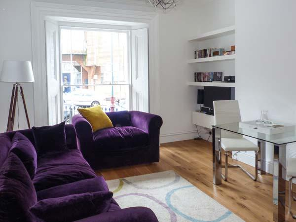 THE KELLY APARTMENT, fantastic location, WiFi, open plan living, in Tunbridge Wells, Ref. 927716 - Image 1 - Royal Tunbridge Wells - rentals