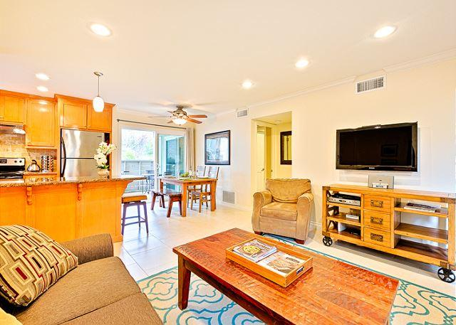 Living room with seating for 4 and a flat screen TV. - Stay and Play-Family Location- Delightful Accommodations W/ Heated Pool! - Dana Point - rentals