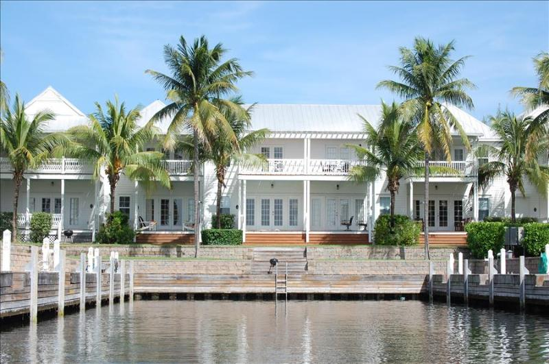 Waterfront luxury Villa (30) with spectacular sunset views and boat slip - Image 1 - Marathon - rentals