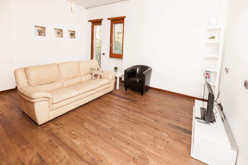 Living Room - CHARMING APARTMENT FEW STOPS FROM COLOSSEUM - Rome - rentals