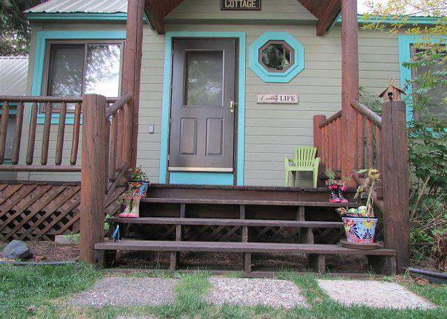 Lake Street Cottage walk to Public Beach or Ponderosa State Park. - Image 1 - McCall - rentals