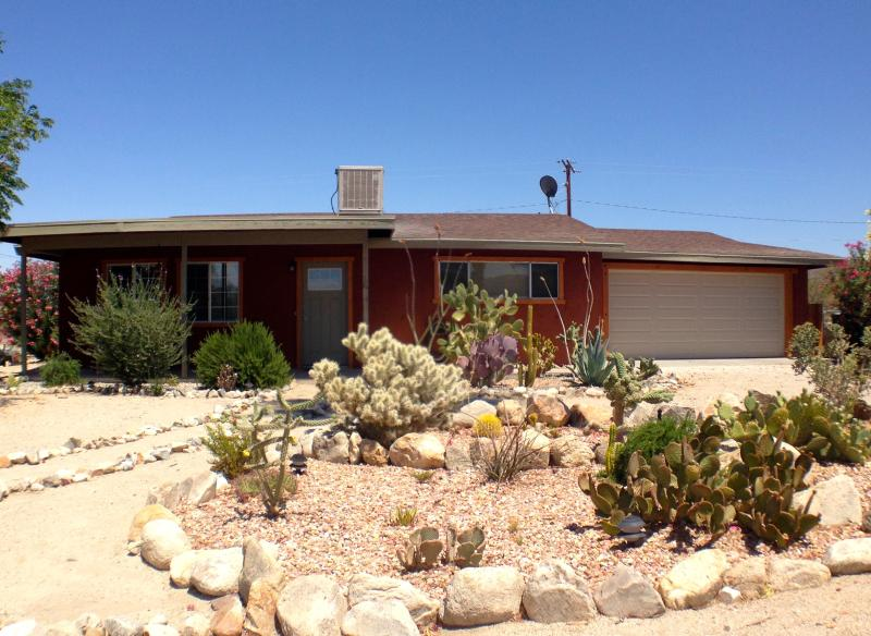 Your home away from home - Desert Modern Home - minutes from JTNP Entrance - Twentynine Palms - rentals