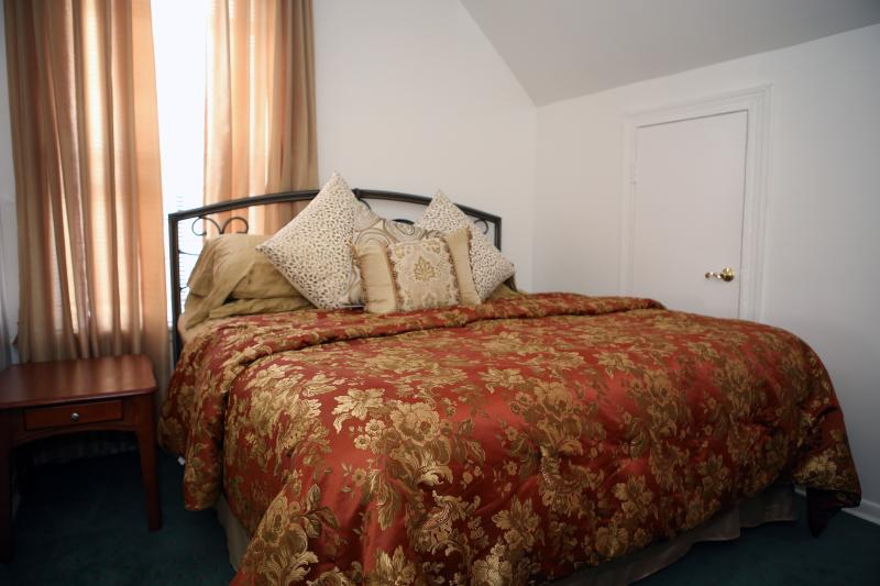 Amazing Vacation 1 Bedroom With 3 Beds - Image 1 - Staten Island - rentals
