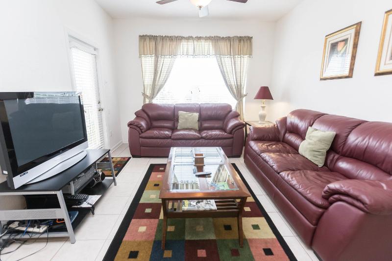 Living Room - Donald Duck's Condo Unit 305 - Kissimmee - rentals