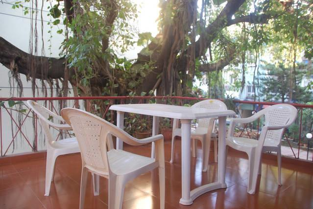 The Banyan Tree Sit Out. - Calangute Holiday Apartment - Calangute - rentals