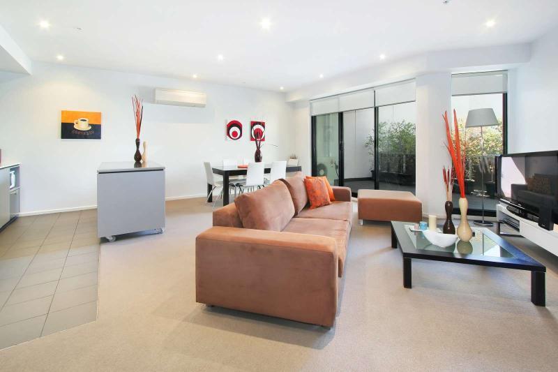 7/2 Gordon Street, Elsternwick, Melbourne - Image 1 - Elsternwick - rentals