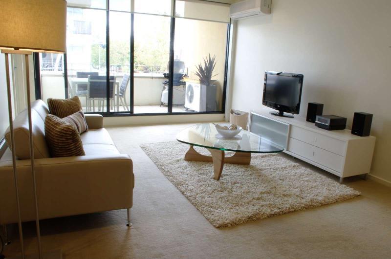 1/125 Ormond Road, Elwood, Melbourne - Image 1 - Melbourne - rentals