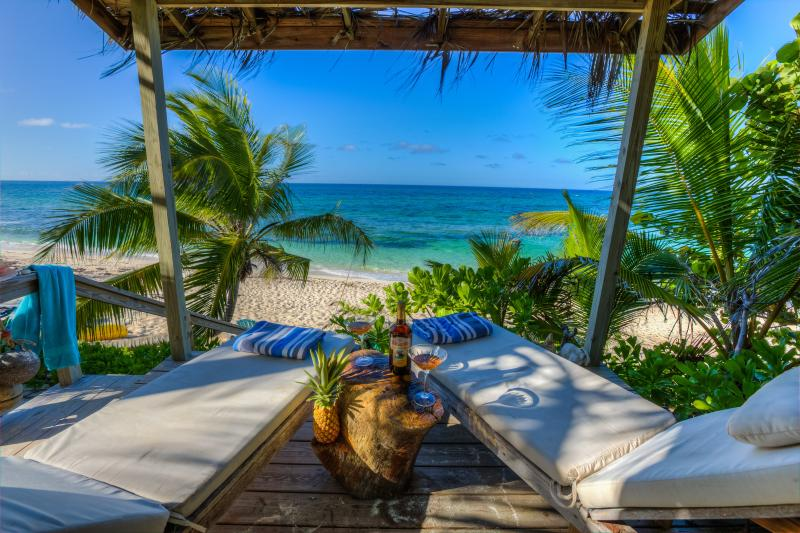 Romantic eco-friendly beachfront cottage with private cabana  - The Round house at Casuarina Bay - Governor's Harbour - rentals