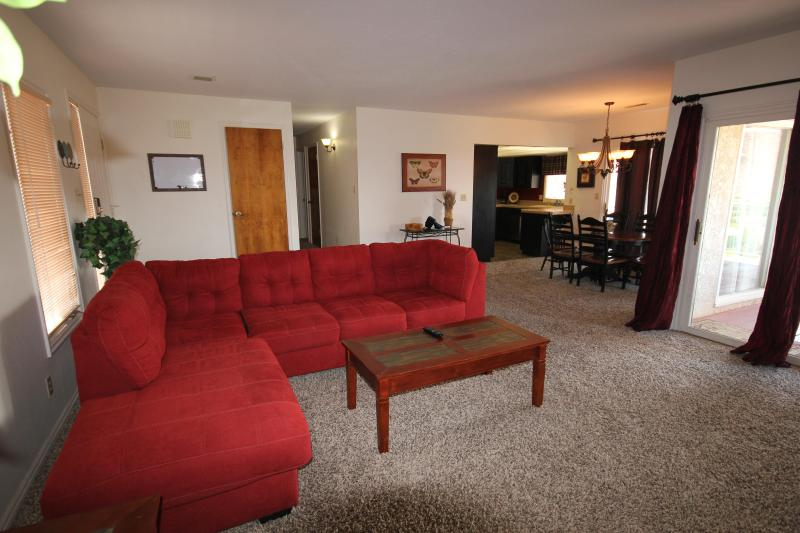 Large 3 Bedroom Condo on a Rim - Great View to the Valley Below - Image 1 - Saint George - rentals
