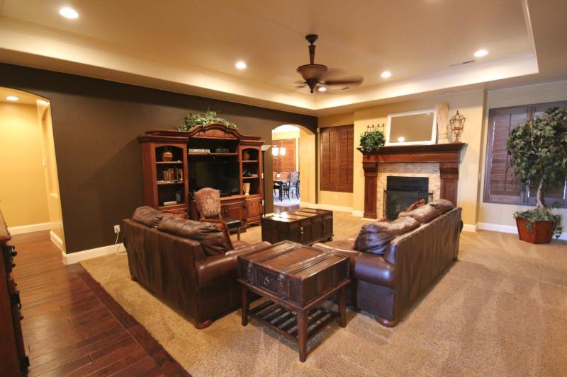 Gorgeous One-Level Designer Home-Great Furnishings - Image 1 - Saint George - rentals