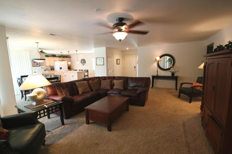 Magnificent Spacious Condo w/ Modern Furnishings - Image 1 - Saint George - rentals