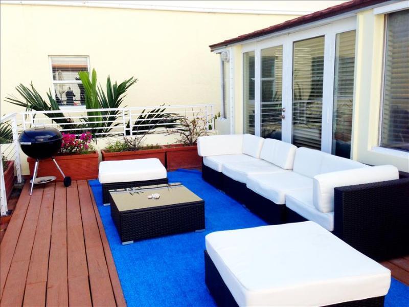 Amazing Oceanfront Penthouse!! Paradise Ocean Drive!! 3 BR with Ocean Views 1CM3CZA - Image 1 - Miami Beach - rentals