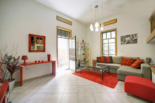 Unique & Cozy Apartment, Tel Aviv  Beach - Image 1 - Tel Aviv - rentals