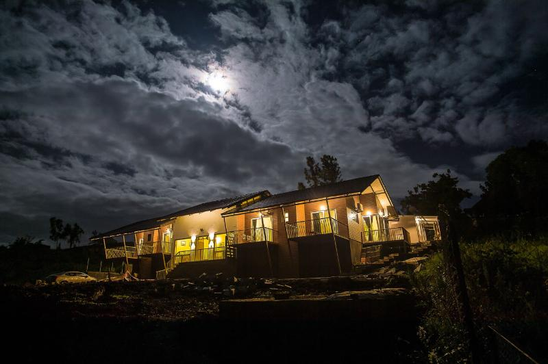 Grand view at night from the NW - Panchgani bungalow / Homestay / Villa  - Visit The Dala Mare - Panchgani - rentals
