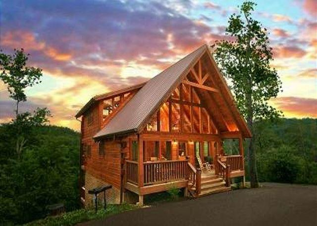 Front View of Cabin - MOUNTAIN MEMORIES:3/3 Spectacular Mountain Views!! - Sevierville - rentals