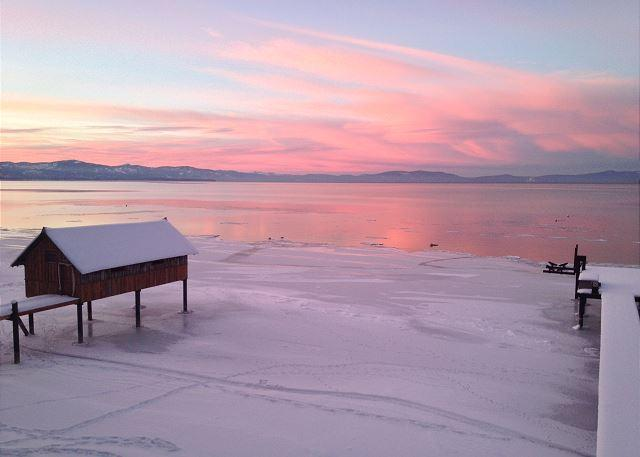 Lakefront, Expansive Views, Prvt Beach, Close to Skiing, Prime Location - Image 1 - South Lake Tahoe - rentals