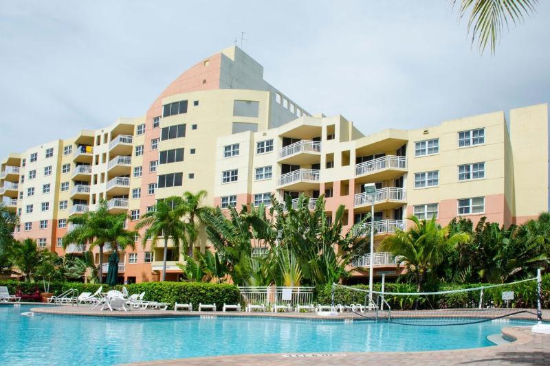 Bonaventure Weston Resort and Spa Vacation Village - Image 1 - Weston - rentals