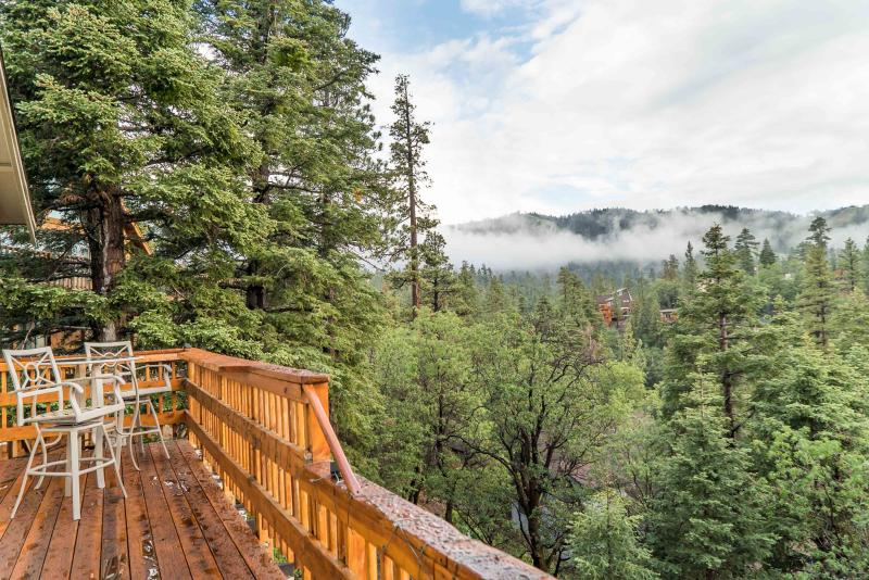 Deck - Entry Level - Remodeled - Ski Slopes, Lake and Sunset Views - City of Big Bear Lake - rentals