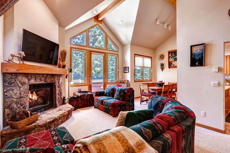 Beautifully Appointed Breckenridge 3 Bedroom Walk to lift - HL302 - Image 1 - Breckenridge - rentals