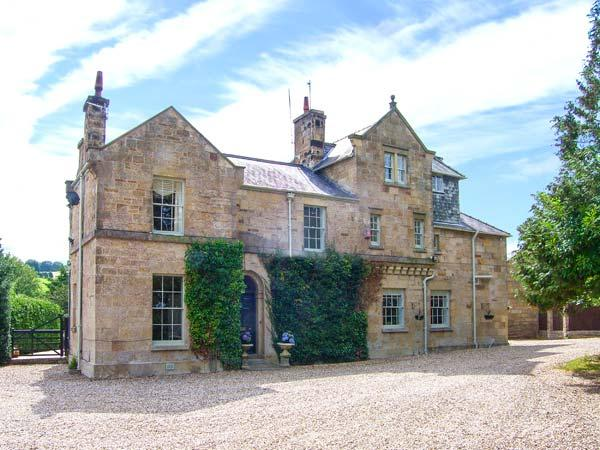 PENRHO HALL, luxury Grade II listed house, woodburner, wood-fired hot tub, ideal for families, near Holywell, Ref 925284 - Image 1 - Holywell - rentals