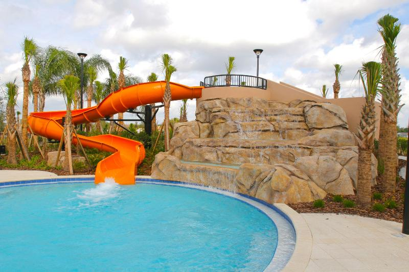SOLTERRA RESORT SLEEPS 10 -AWARD WINNING POOL/SPA Home - 5 Bed 4,5 Ba - Chic & Impressive South Faci - Image 1 - Kissimmee - rentals